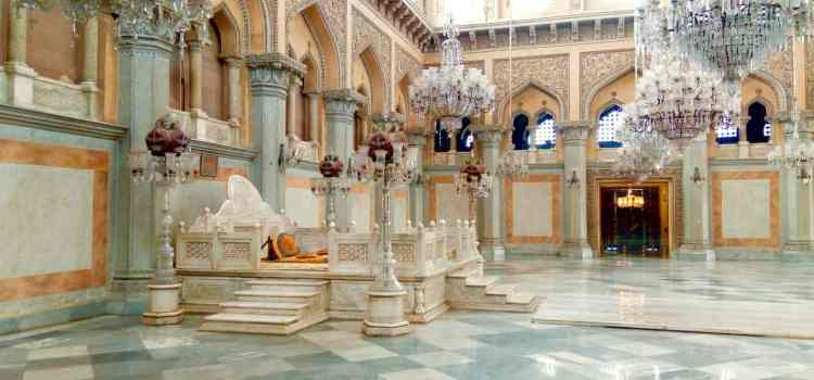Top 10 things to do in Hyderabad | The city of the Charminar and the Golconda