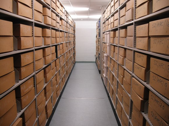 Archives store
