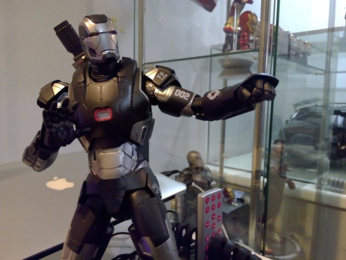 War Machine die-cast 1/6th scale figure