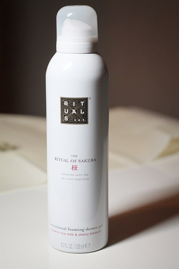 Rituals... The Ritual of Sakura Foaming Shower Gel
