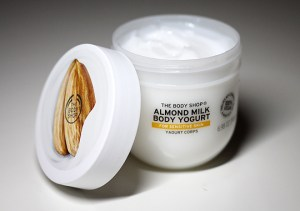 Aufgebraucht: The Body Shop Body Yogurt Mandel