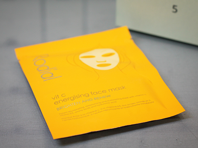 Kästchen Nr. 5: (Rodial) Vit C Energising Face Mask