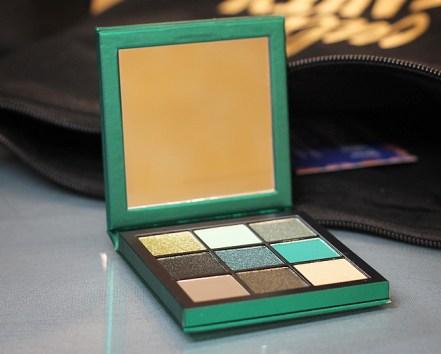 Eyeshadow Palette mit 9 wunderschönen Farben