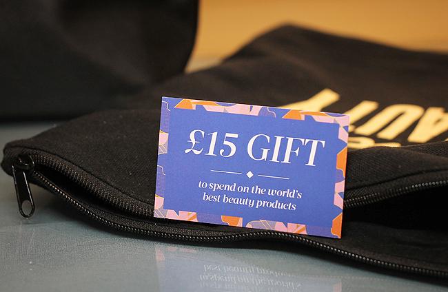 [Cult Beauty] £15,00 Geschenks-Coupon