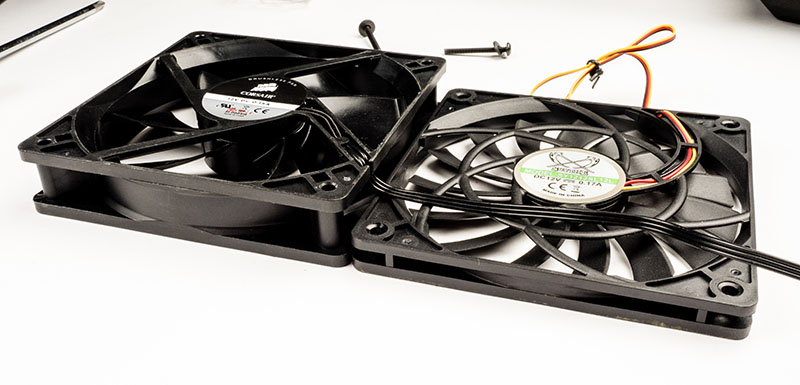 A 12mm Scythe fan replaced the original 25mm fan.