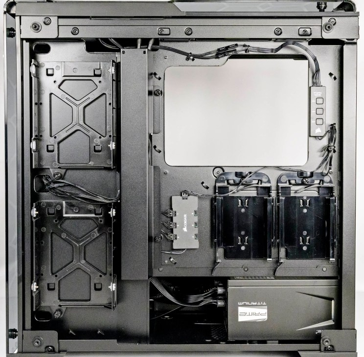Corsair Crystal 570 laid bare