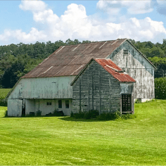 A corn crib just north of Quarryville visible from Route 222.