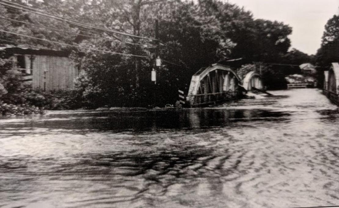 Hunsecker bridge at New Holland Pike.jpg
