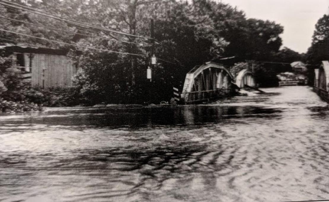 Hunsecker bridge at New Holland Pike.jpg