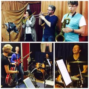 Repetitie met Marleen. Blije drummer... altijd goed :-)