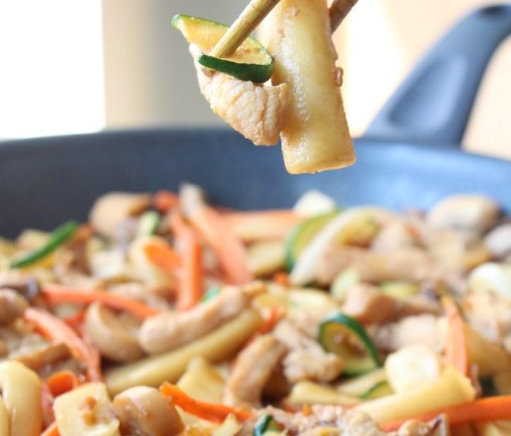 Korean Gungjung Tteokbokki: Stir-fried Rice Cakes with Chicken & Vegetables 韓式宮廷炒年糕 (Oil-Free, GF)