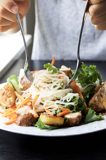 Vietnamese Lemongrass Chicken Noodle Salad (GF, Low-Carb, DF)