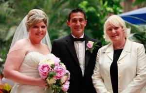 Yvonne Beck celebrant - Hotel Pool Wedding