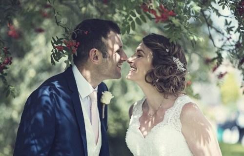Thomas Thomas Photography - wedding photographer - tree kiss