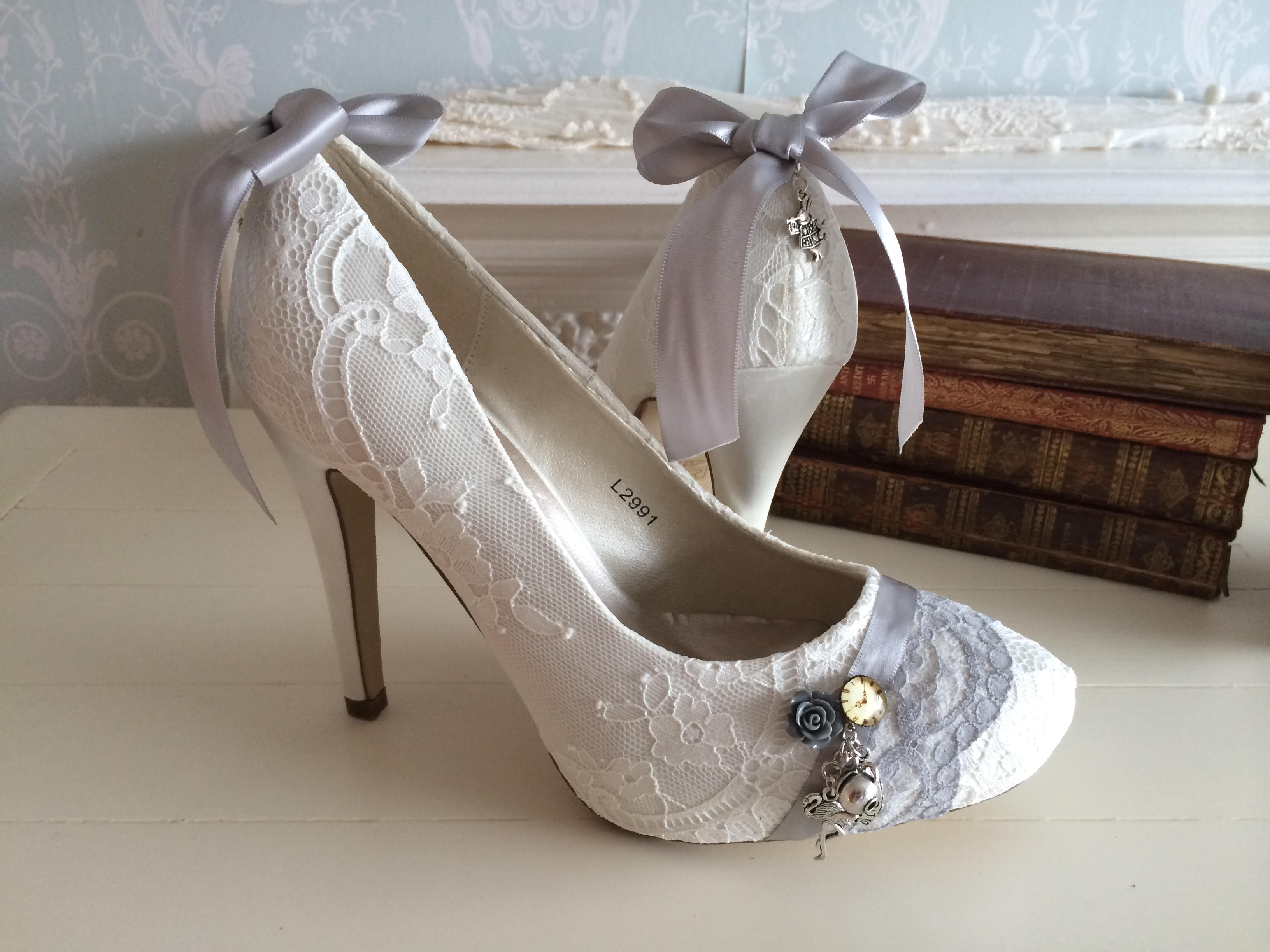 Alice in Wonderland wedding inspiration - alice shoes - alternative and unconventional wedding