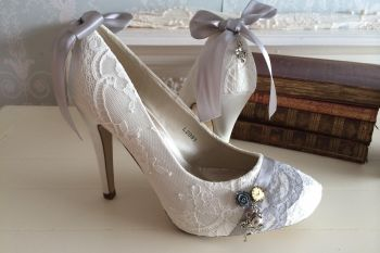 Alice in Wonderland wedding inspiration - alice shoes - alternative and unconventional wedding