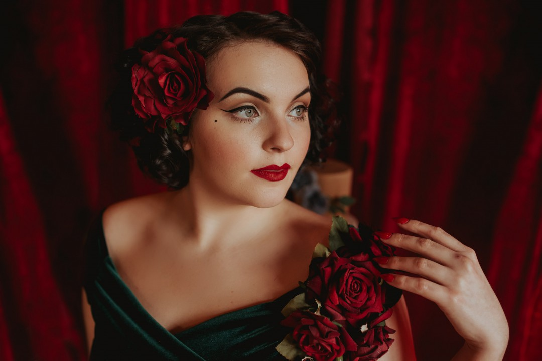 A Twin Peaks Wedding Styled Shoot - alternative - unconventional - close up bride shot