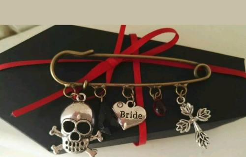 Charlene wedding designs - alternative wedding bouquet, accessories and buttonholes 2  - skulls and cross bones
