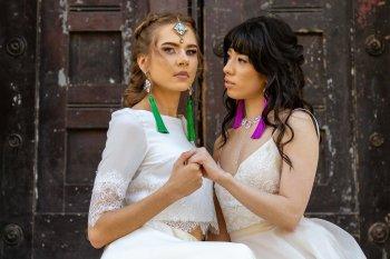 Rock the Purple Love - Gido Weddings - The Asylum Chapel - alternative wedding inspiration 15 - modern, urban wedding