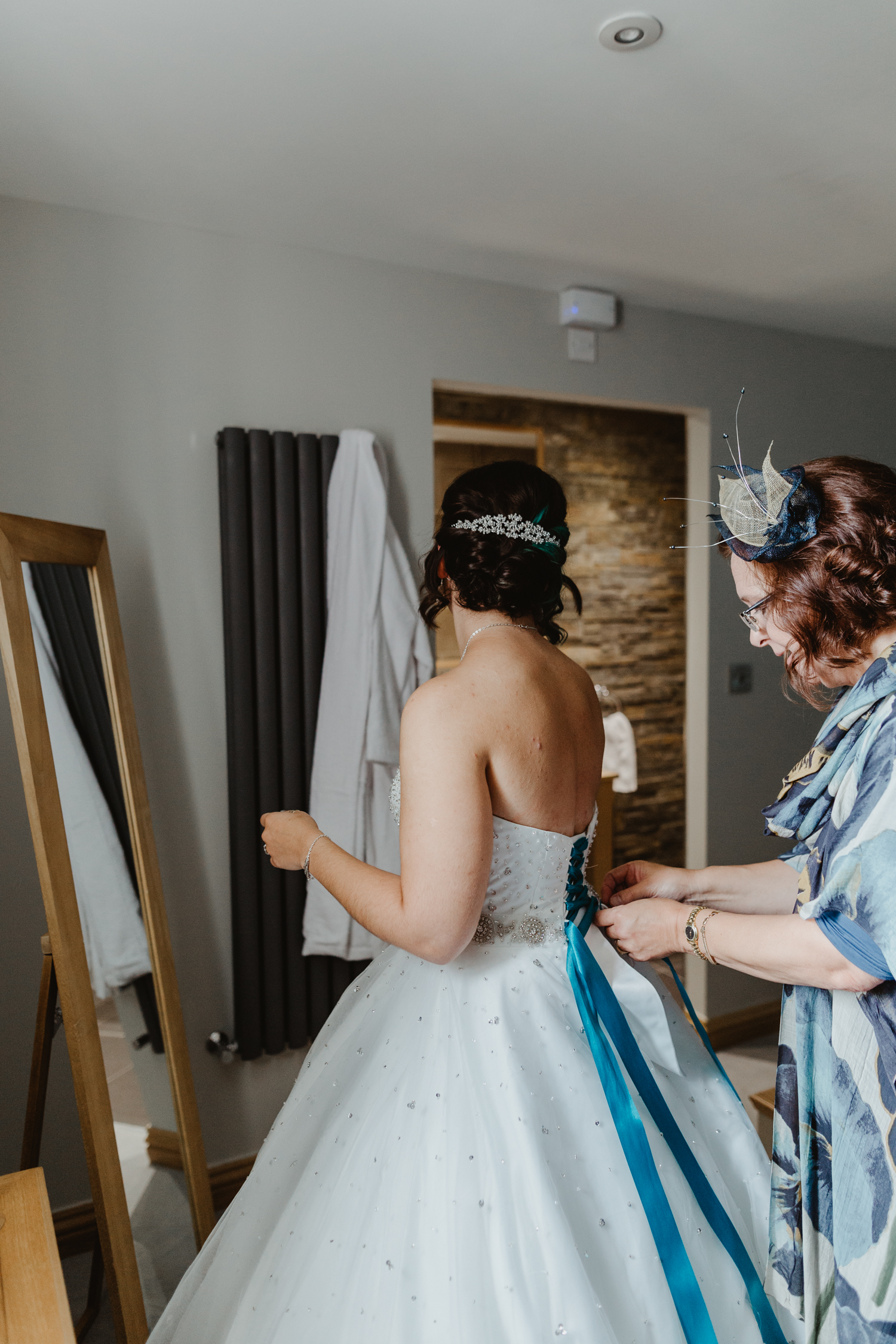 Stevie Jay photography - Unconventional Wedding at Storthes Hall Huddersfield - alternative wedding 100
