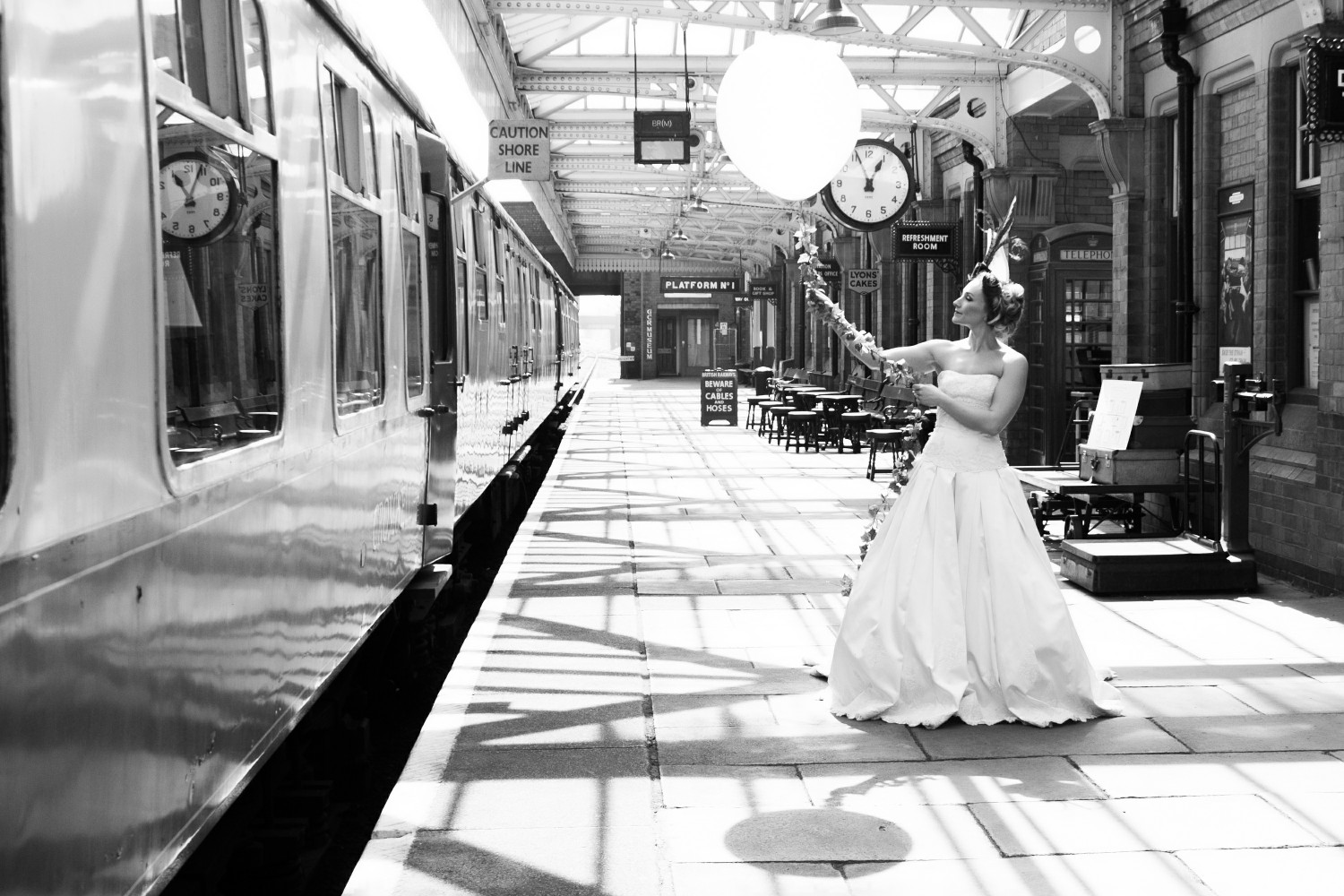 Iso Elegant Photography - Leicester wedding network - Railway wedding - vintage wedding 14