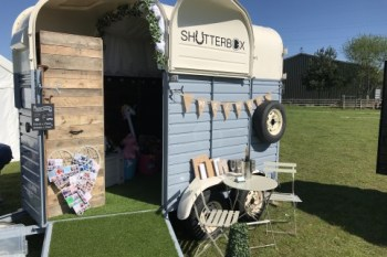 Enhanced events - shutterbox - photobooth horse box