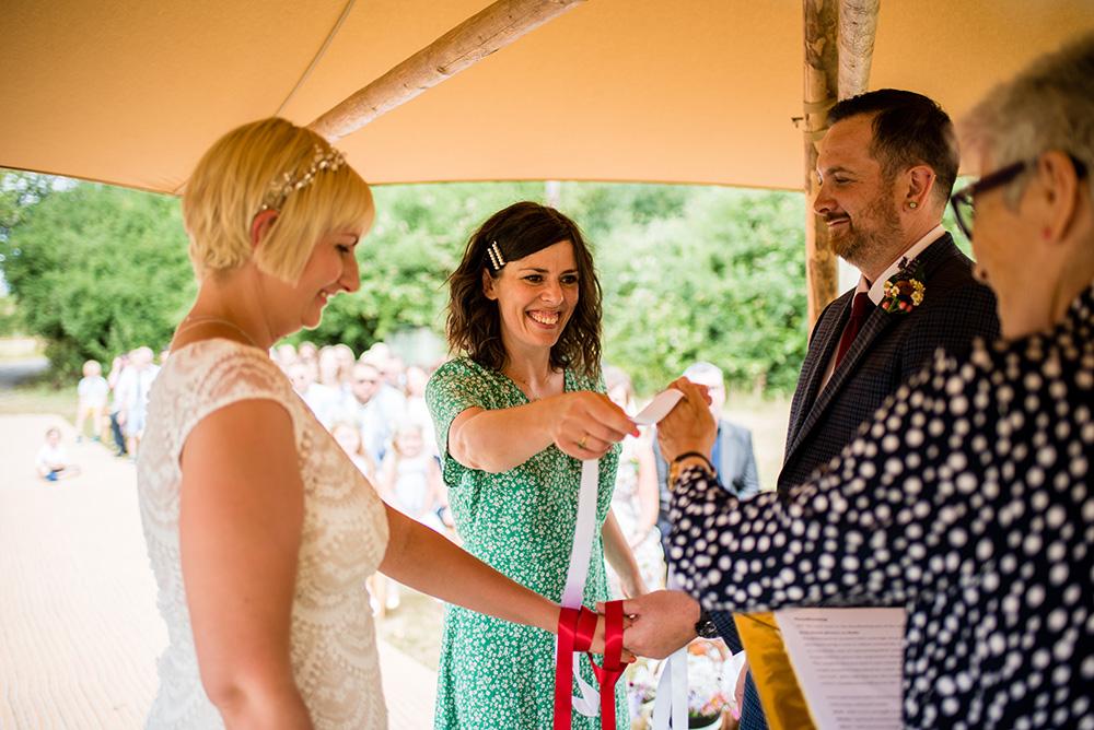 Star Ceremonies - Photo by Damian Burcher - Celebrant wedding - alternative wedding - handfasting - unconventional wedding