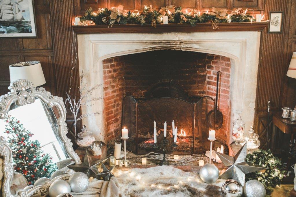 Victoria Taylor-Christmas Fairy-Laura Beresford Photography- Christmas wedding