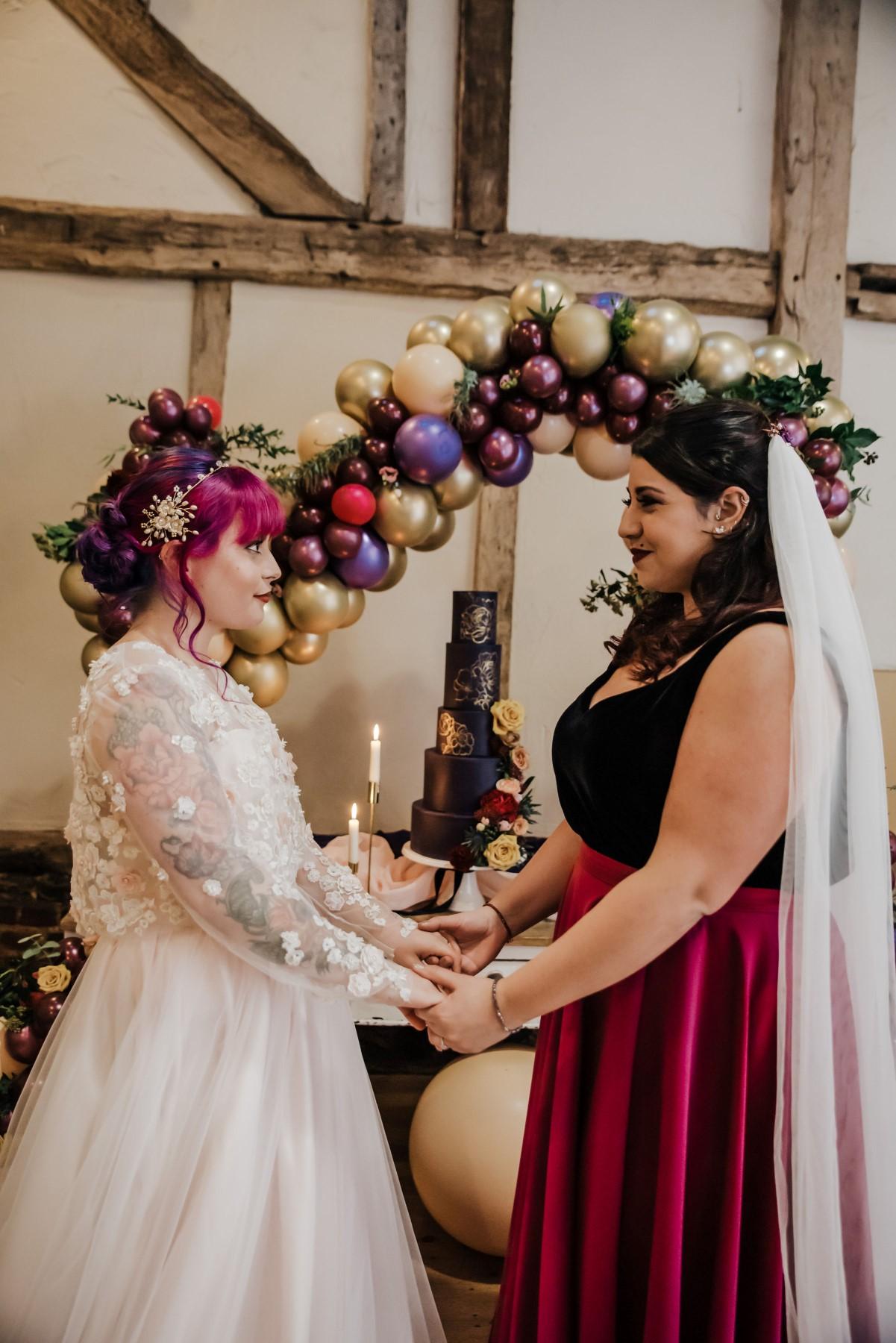 Roshni Photography- Barn Wedding Shoot- Couple and Cake