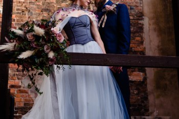 gothic glamour- vicki clayson photography-outside