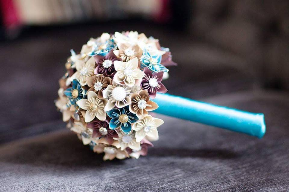 Photo by Arlo Arts - paper wedding bouquet - alternative wedding bouquet