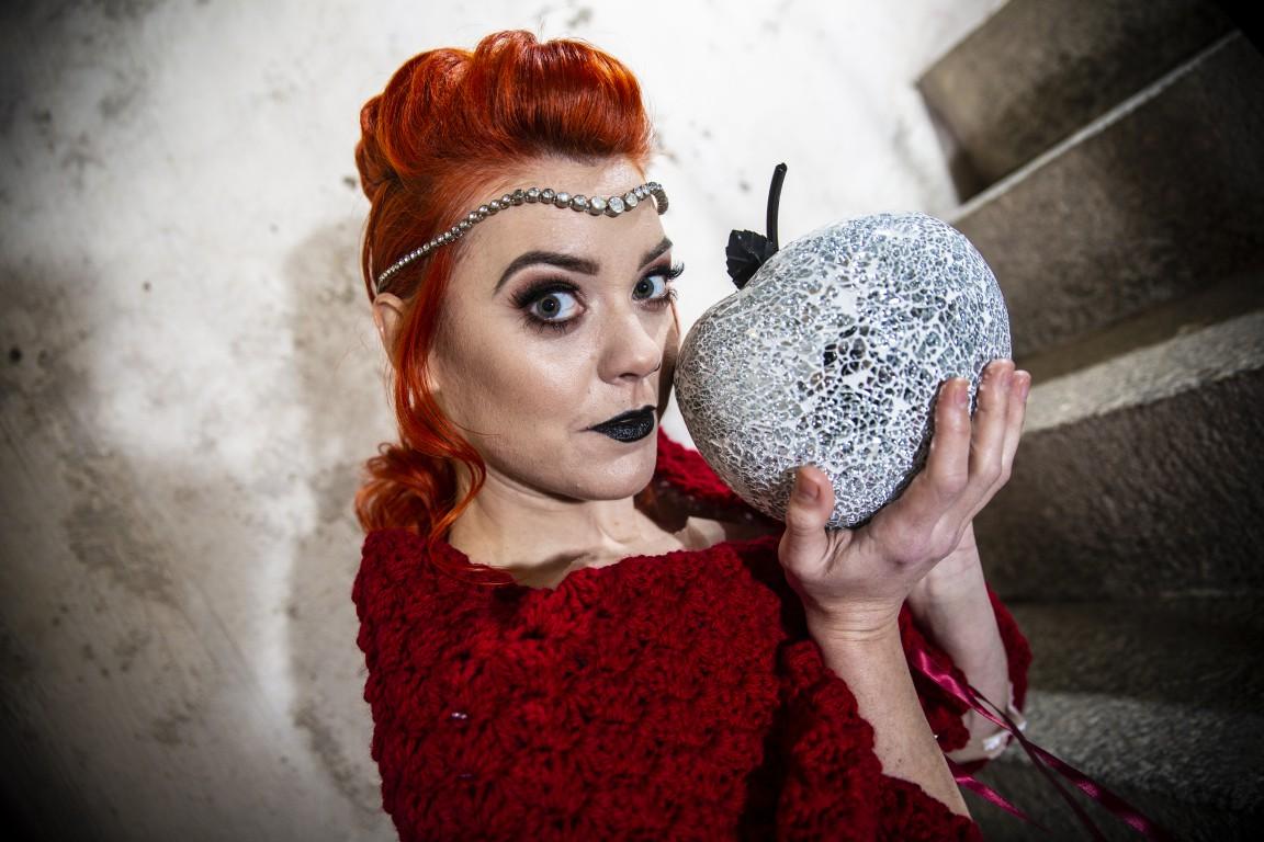 Magpie Weddings-Fairytale Weddings-Apple