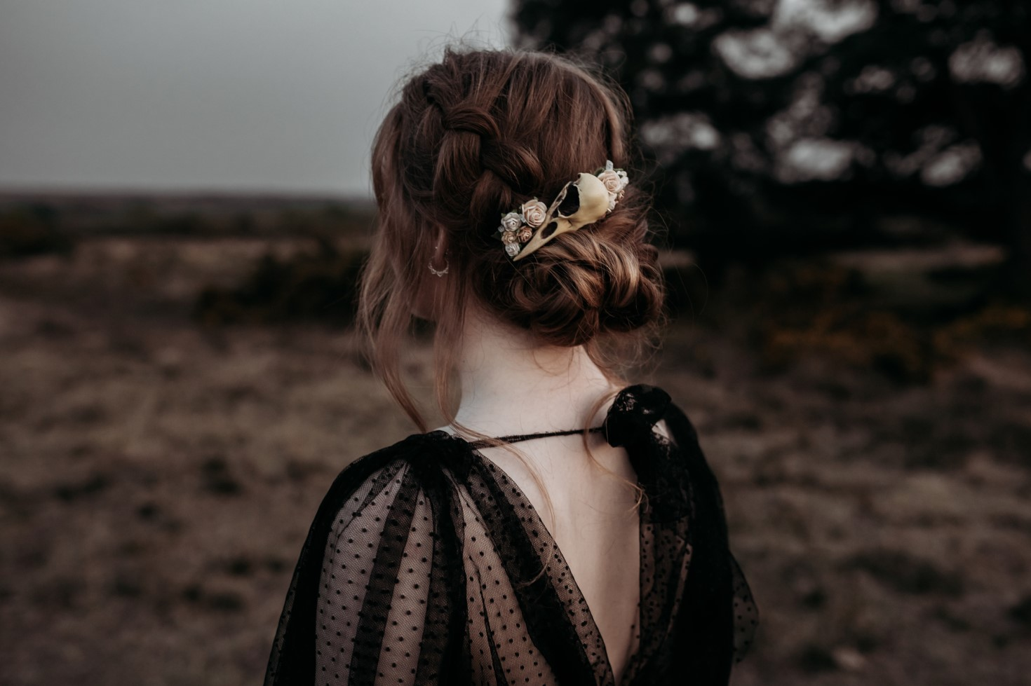 Finn And The Fox Photography-Moody Elopement Wedding- Gothic wedding hair accessories - skull hair accessory - black wedding dress