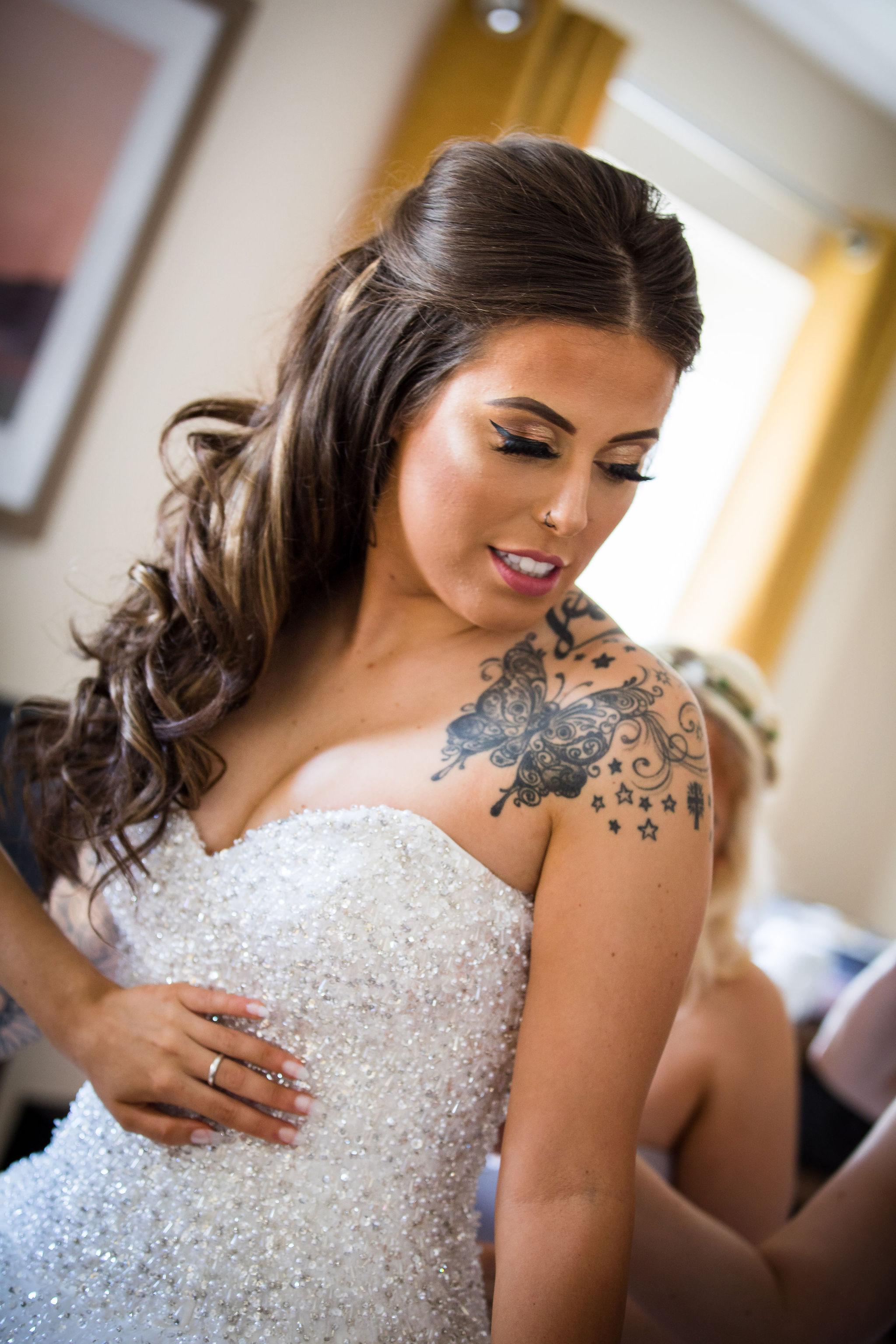 Harriet&Rhys Wedding - tattooed bride getting ready