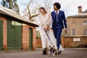 blue-wedding-with-pug-Katherine-and-her-Camera (1) (1)