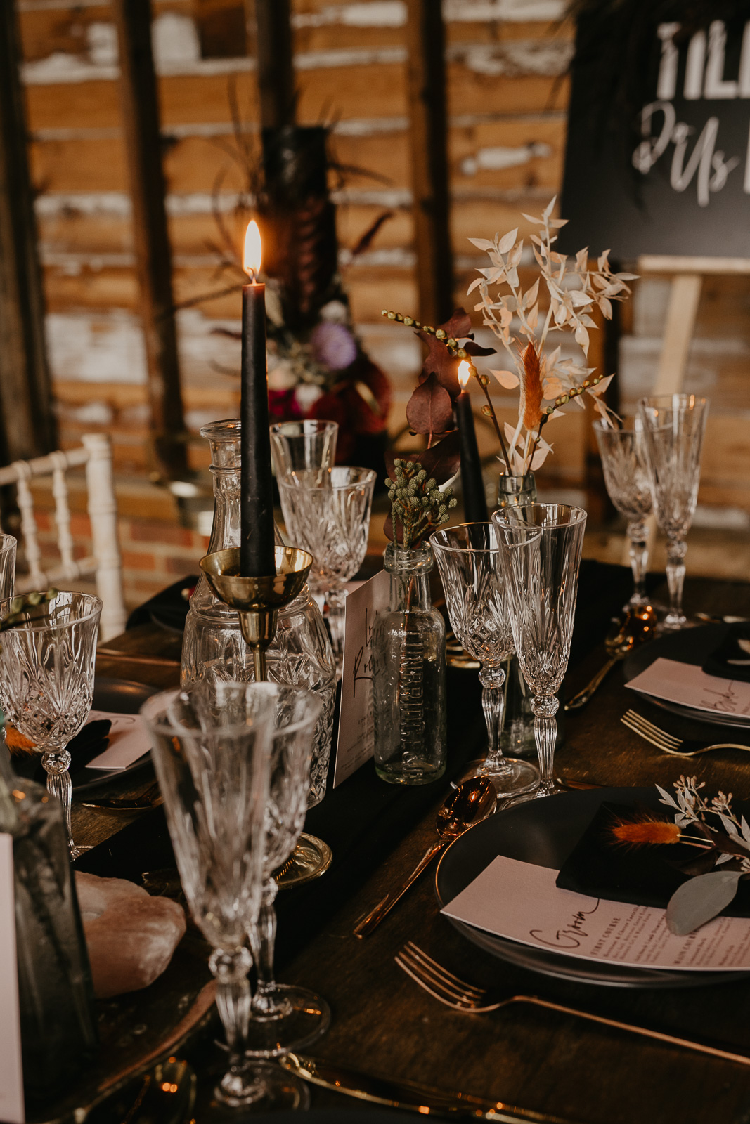 Modern barn wedding- jessica lily photography- unconventional wedding- unique wedding table