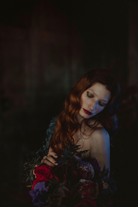 Decadent Wedding Inspiration- Moody Wedding Inspiration- Sudio Fotografico Bacci- Unconventional Wedding- bridal photography
