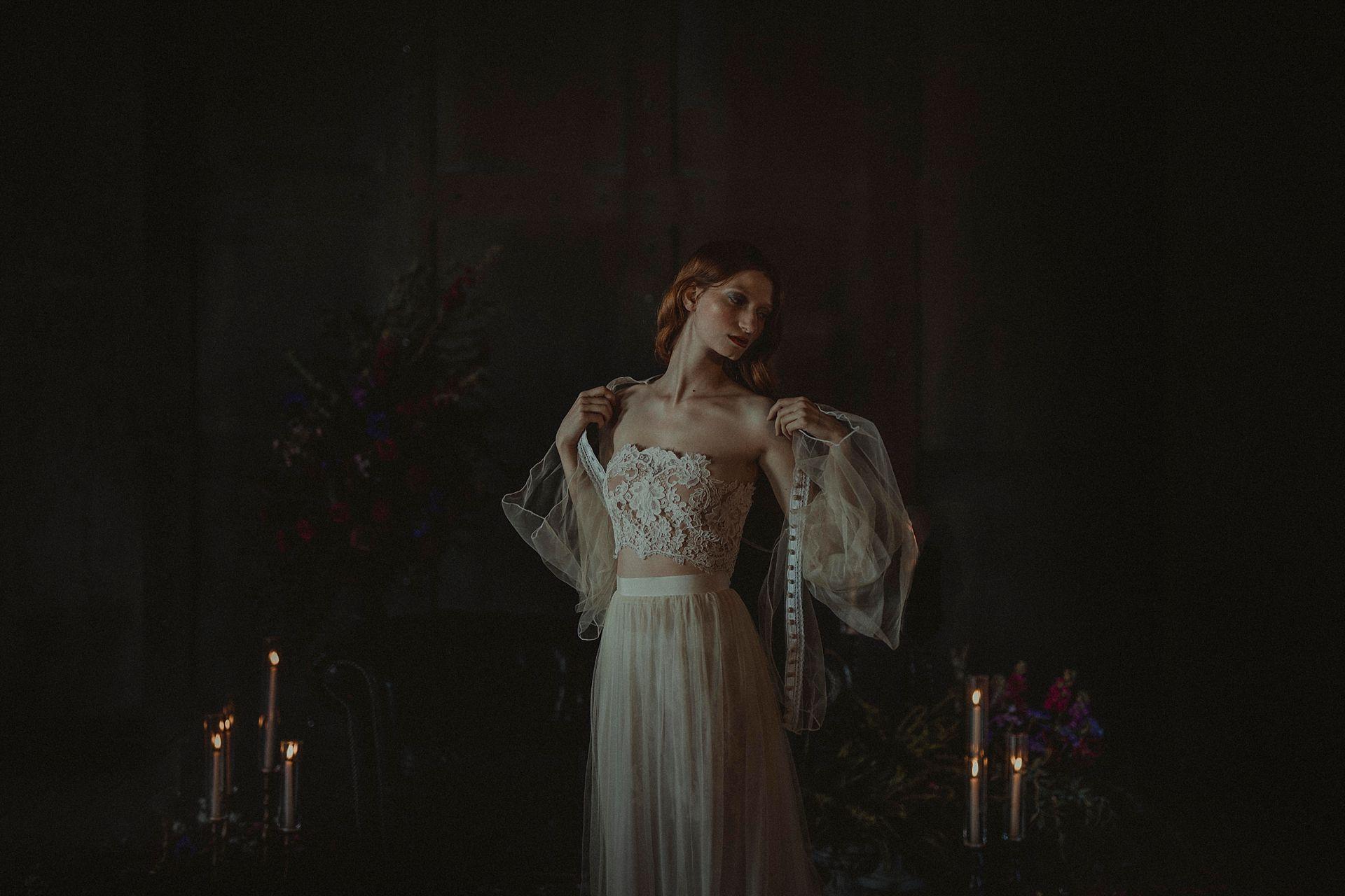 Decadent Wedding Inspiration- Moody Wedding Inspiration- Sudio Fotografico Bacci- Unconventional Wedding- bride dressing