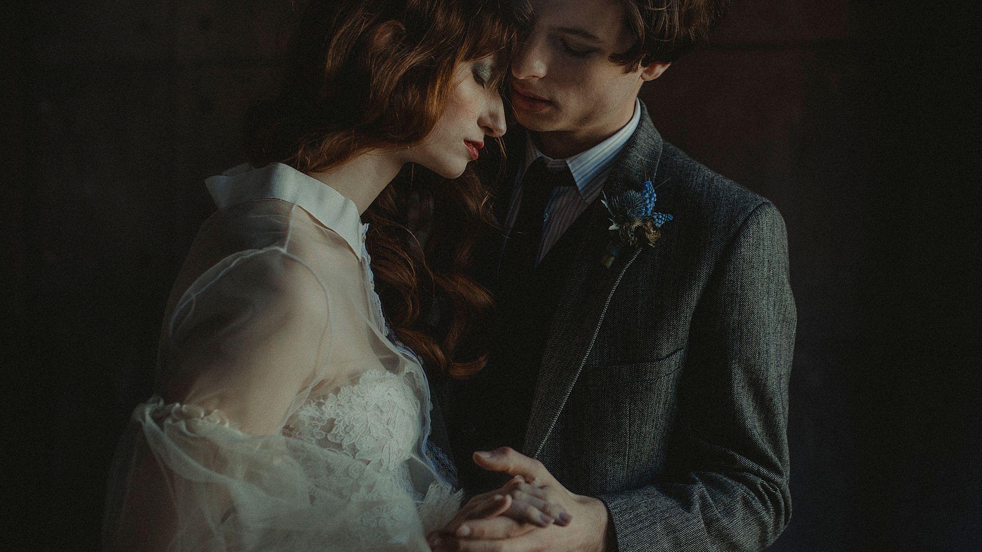 Decadent Wedding Inspiration- Moody Wedding Inspiration- Sudio Fotografico Bacci- Unconventional Wedding- editorial wedding