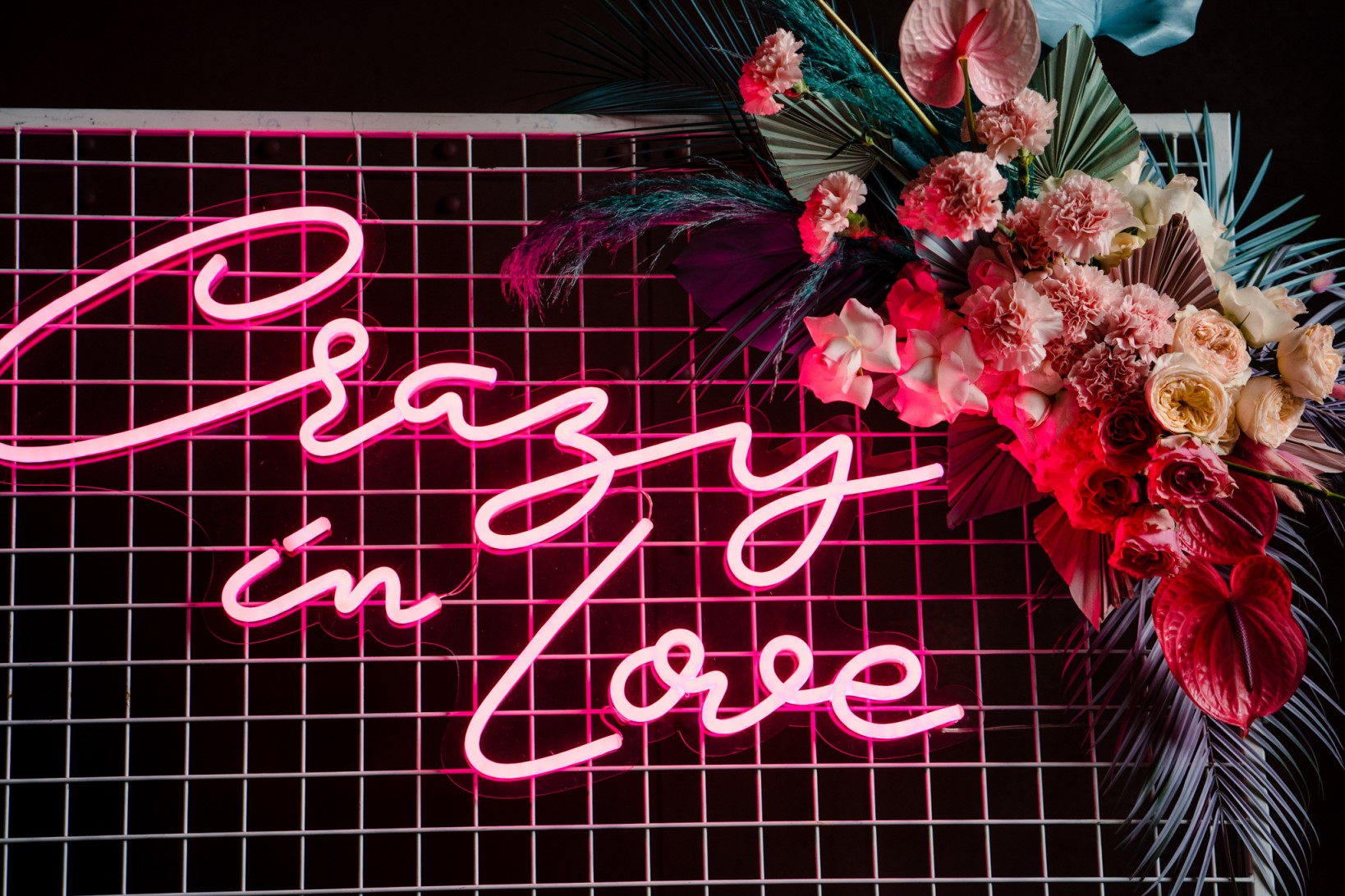 Individual Wedding Inspiration- Alexandra Fehér Photography- unique wedding inspiration-rock and roll wedding inspiration- neon wedding- lgbtq wedding- same sex wedding- neon sign- personalised neon sign- unique wedding decor