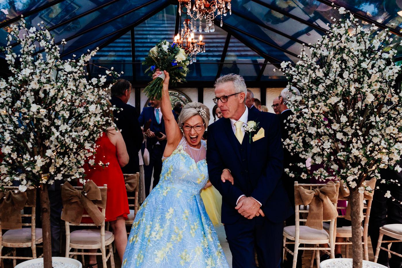how to choose your wedding photographer- fun wedding photos- creative wedding photography- unconventional wedding
