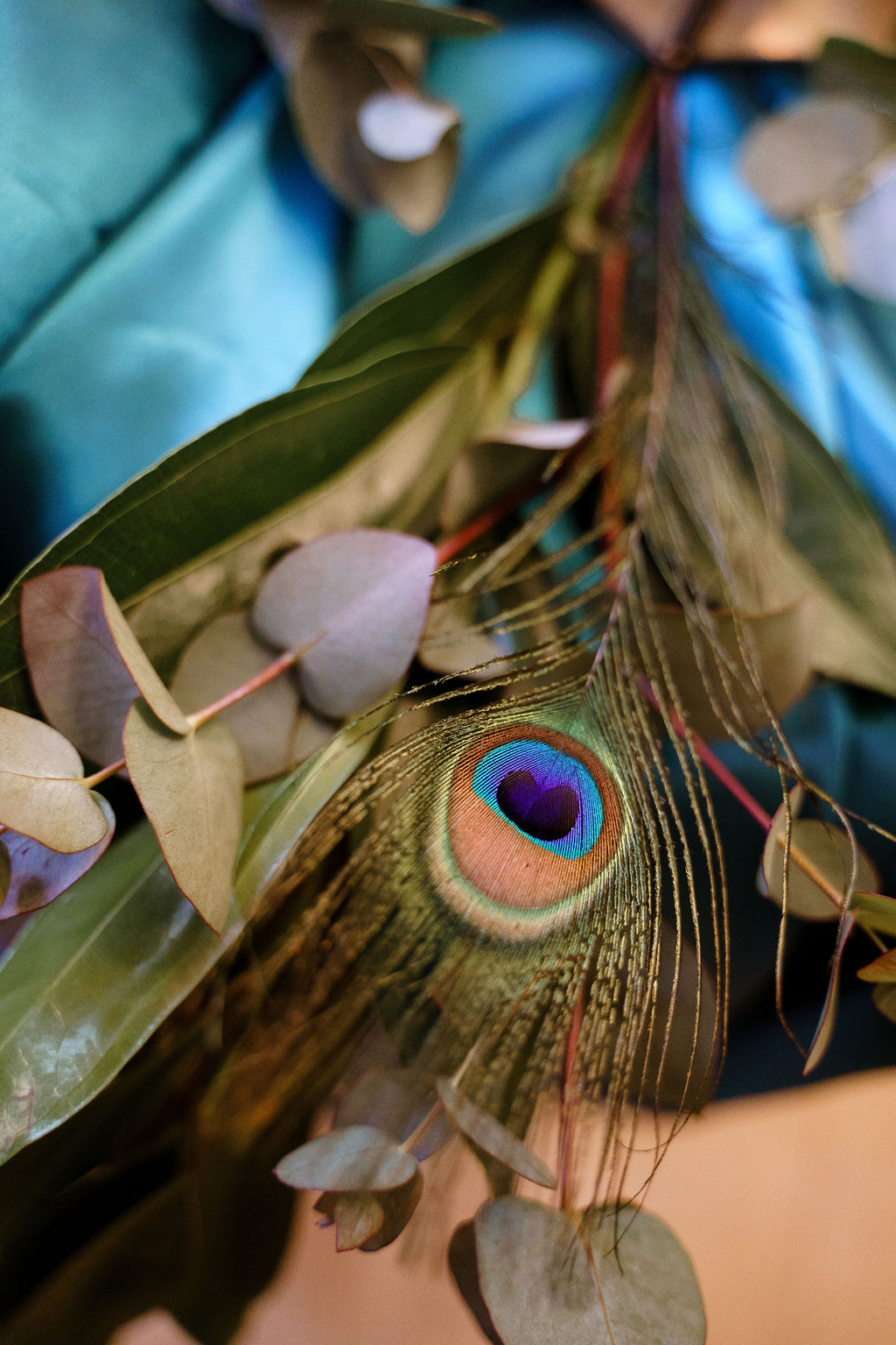 peacock themed wedding - peacock wedding - unique wedding colour scheme - quirky wedding - luxurious wedding - peacock feather wedding