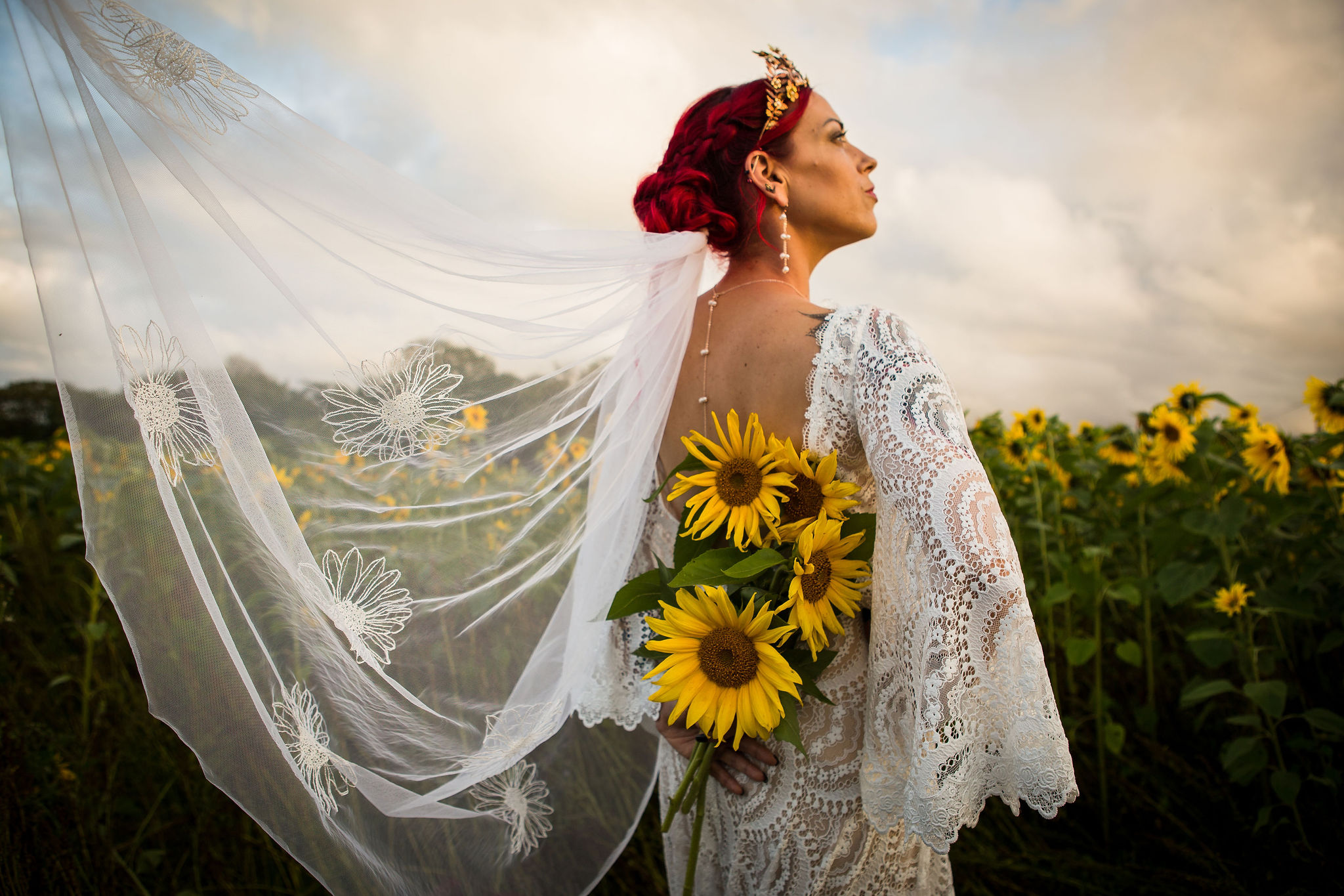 sunflower themed wedding - unconventional wedding - sunflower wedding - autumn wedding - alternative wedding planning - sunflower bridal veil