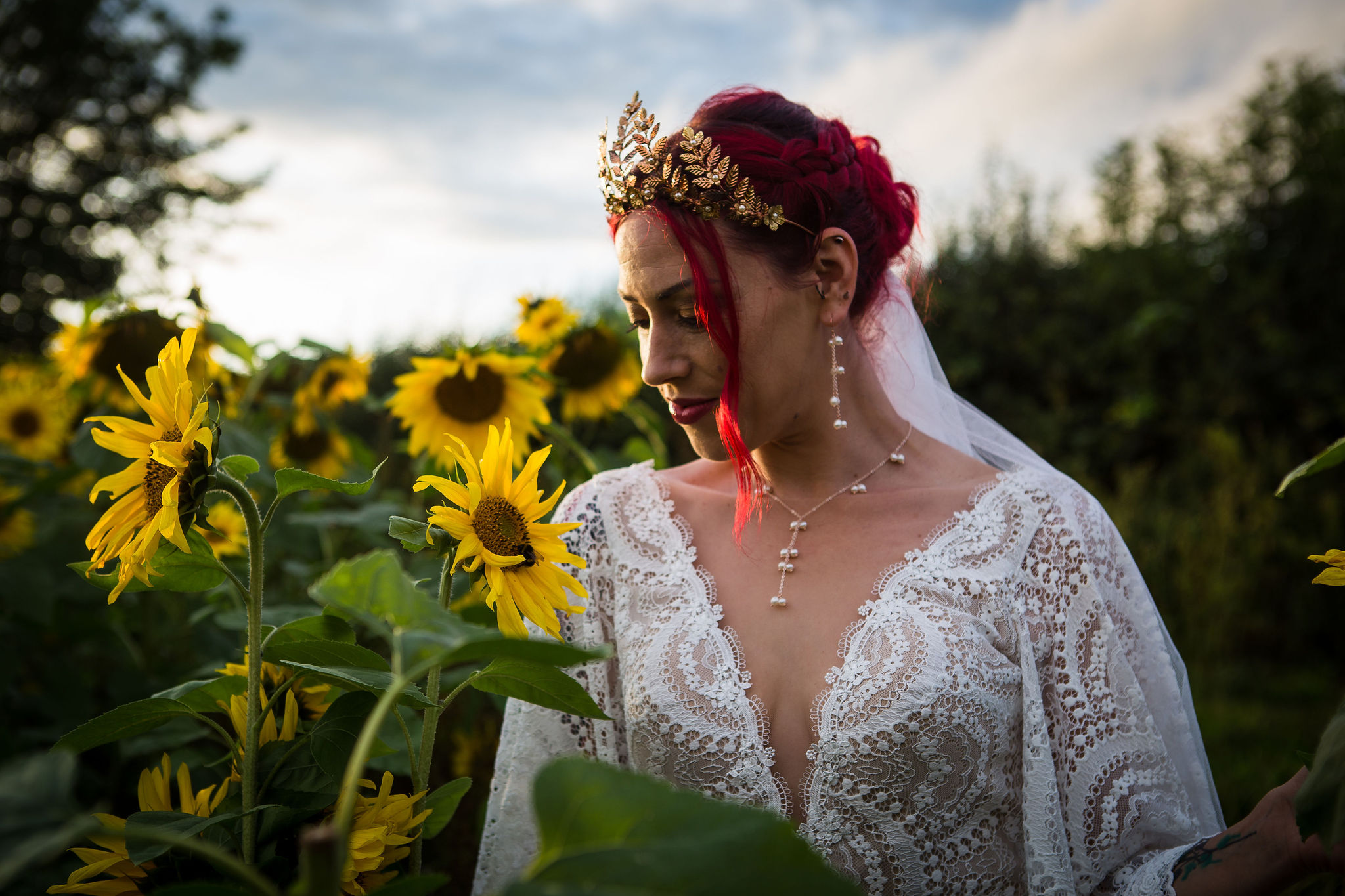sunflower themed wedding - unconventional wedding - sunflower wedding - autumn wedding - alternative wedding planning - unique wedding accessories - pearl bridal jewellery