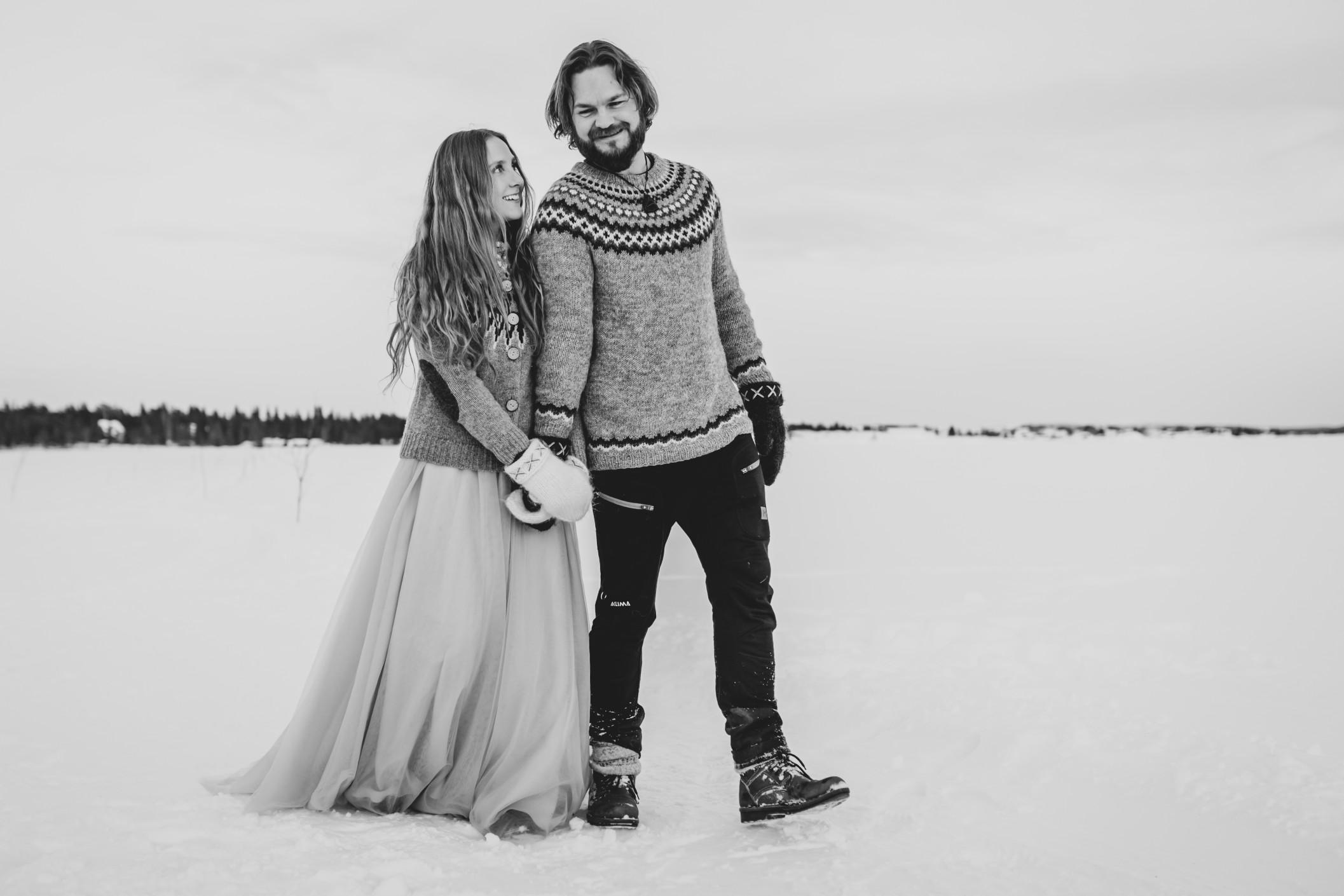 winter wedding at icehotel sweden - cinematic wedding photography - ice wedding - elopement in sweden - creative wedding photographer - unconventional wedding - alternative wedding - unique wedding - artistic wedding -winter wedding photos