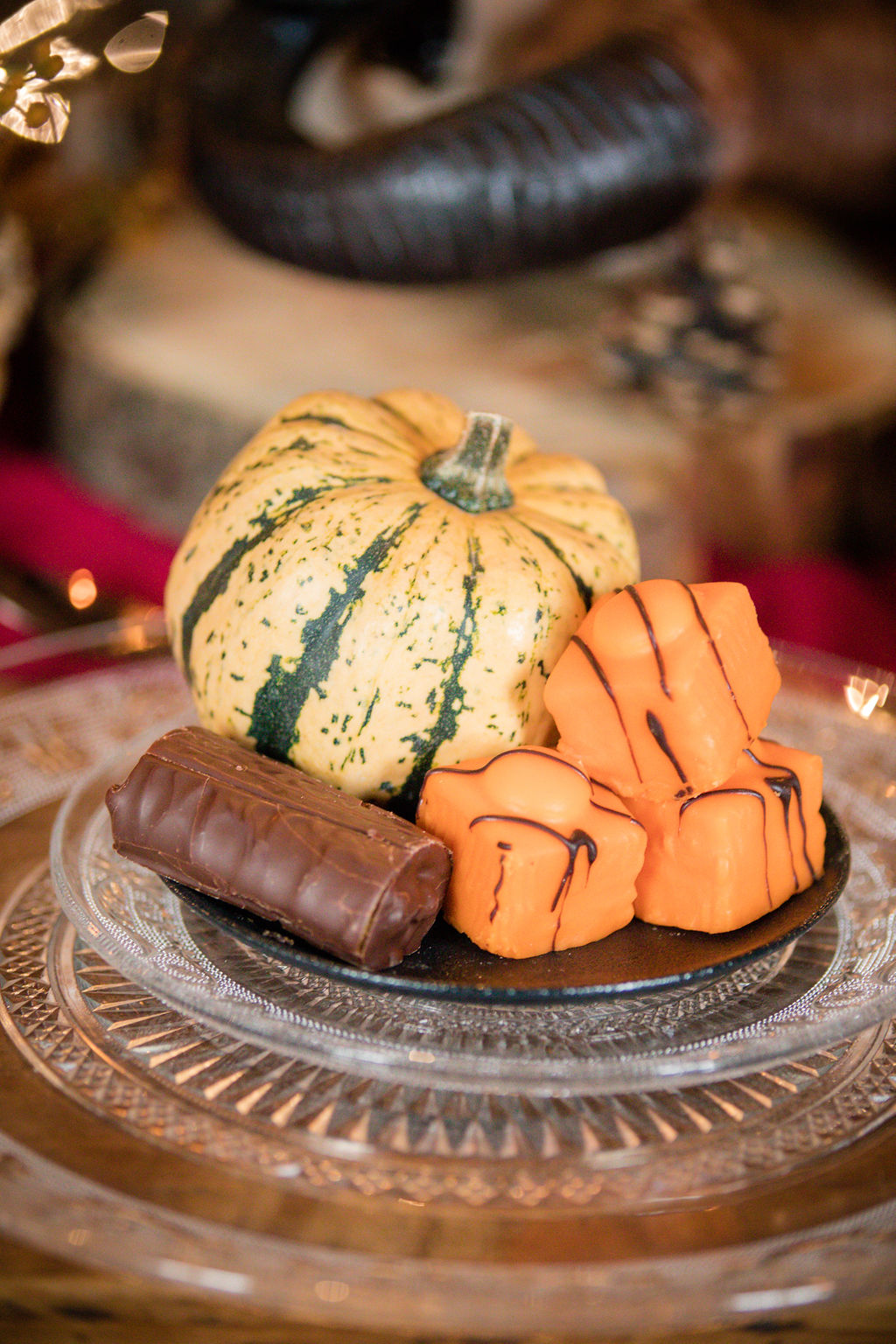 halloween wedding inspiration - pumpkin wedding - autumn wedding desert table
