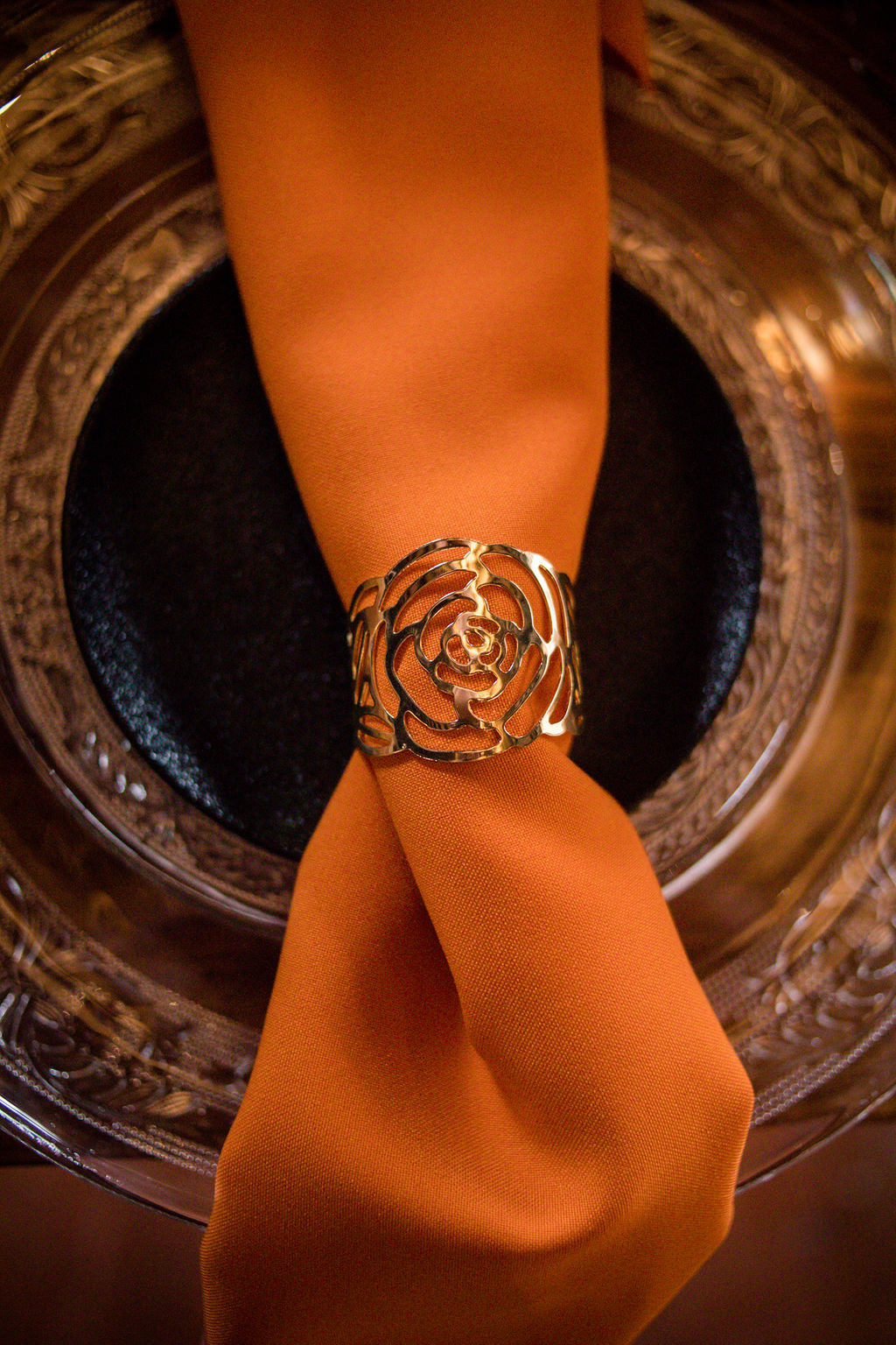 orange napkin - orange wedding napkin- gold napkin holder - halloween wedding ideas - autumn wedding
