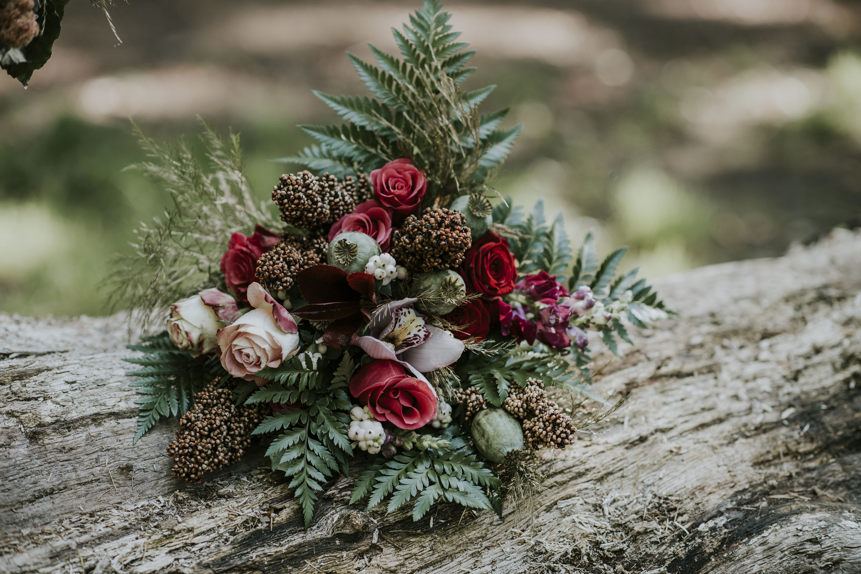red and white wedding flowers - unique wedding flowers