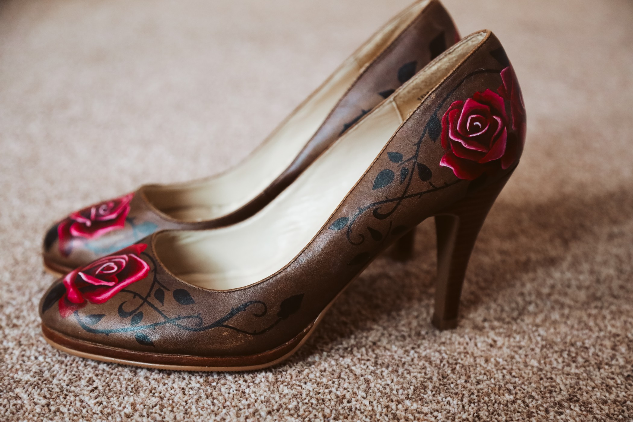 Great Betley Farmhouse wedding venue - Christmas micro wedding shoes with red roses - christmas wedding - nhs wedding (11)