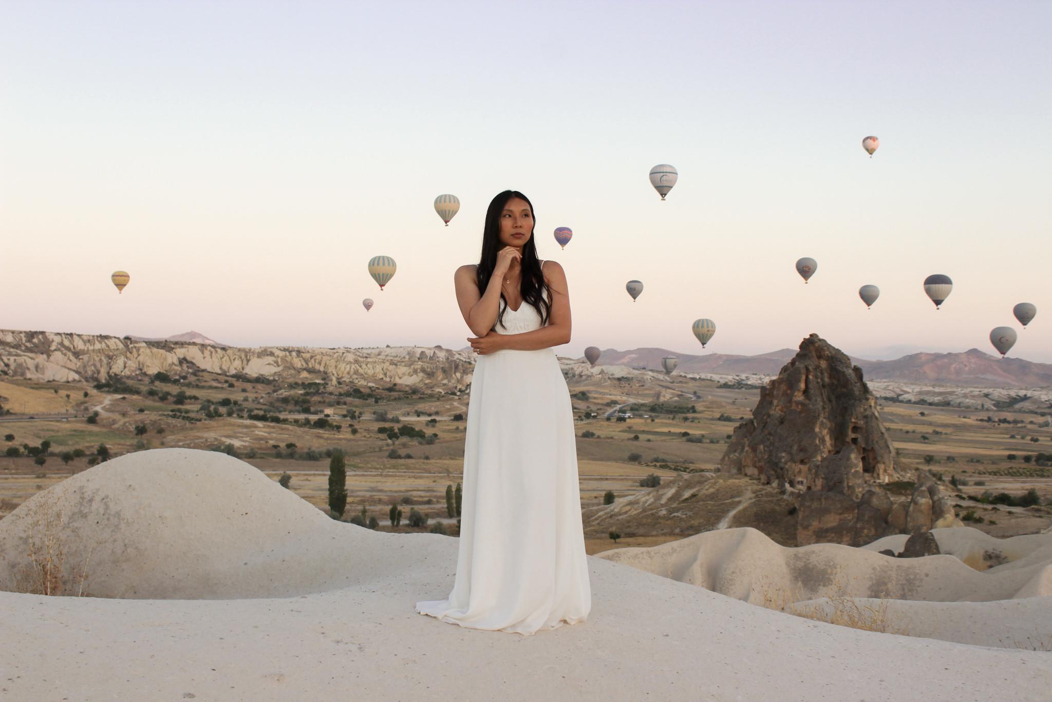 hot air balloon wedding in Cappadocia - beautiful elopement photography - Turkish elopement photoshoot -